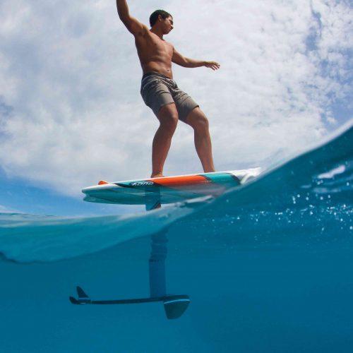 e-foil-surf-electrique Beaulieu Watersports Riviera Gliss